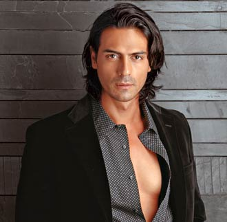 http://mediaservice.digitaltoday.in/cosmo/images//stories/cosmo/November/081118051602_arjun-rampal.jpg